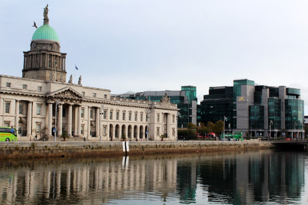 Customs House am River Liffey in Dublin, Irland - Reiseblog exploreglobal