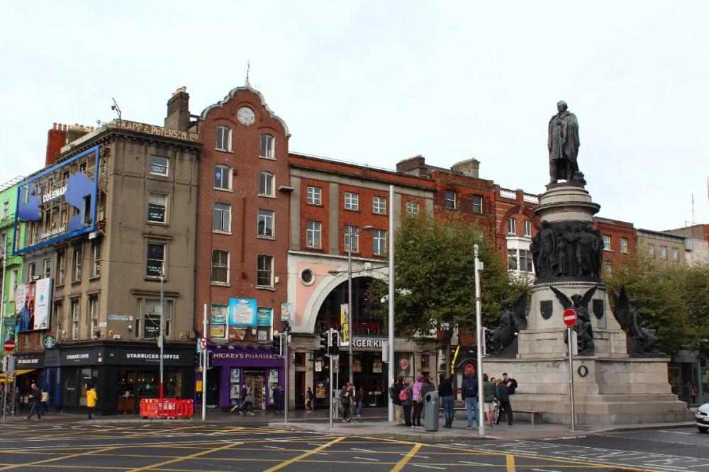 Das Daniel O' Connell Monument nahe des River Liffey in Dublin, Irland - Reiseblog Explorelgobal