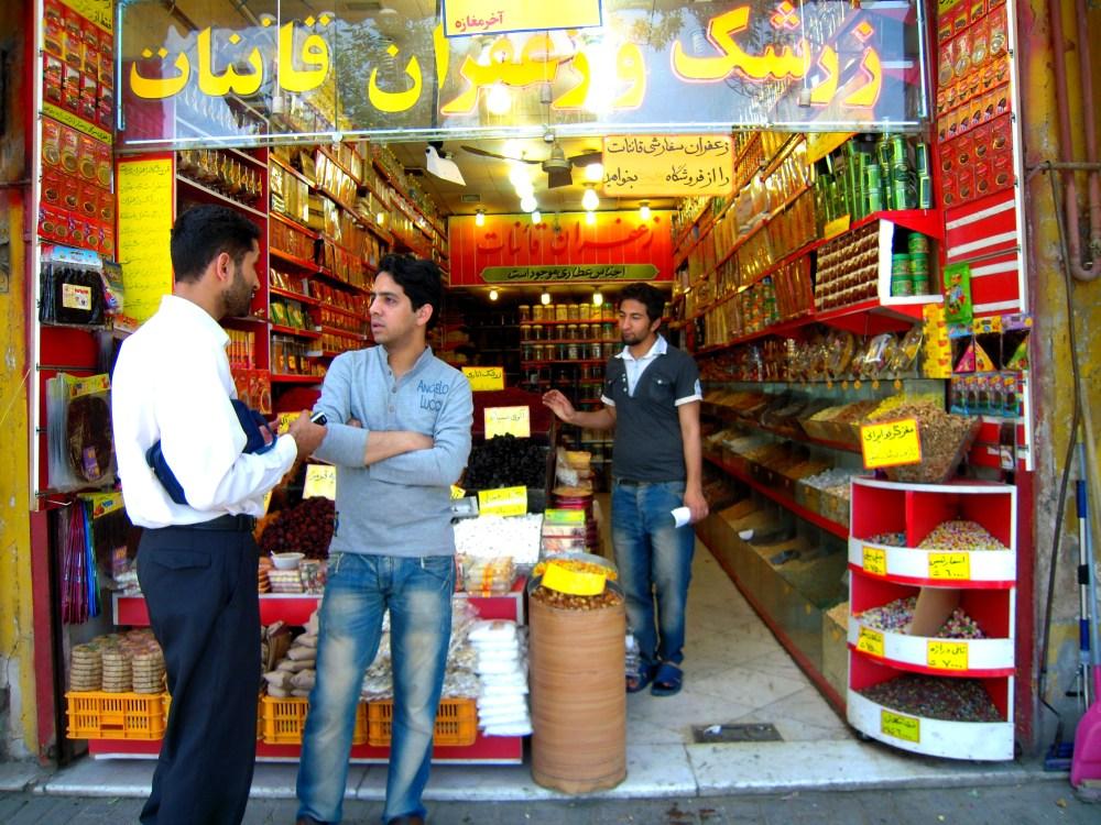 Iran Maschhad Lebensmittel Geschäft Laden Leute Einwohner