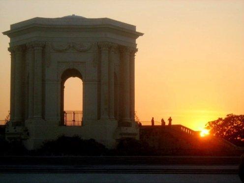 Sonnenuntergang an der Place royale du Peyrou: Château d'eau