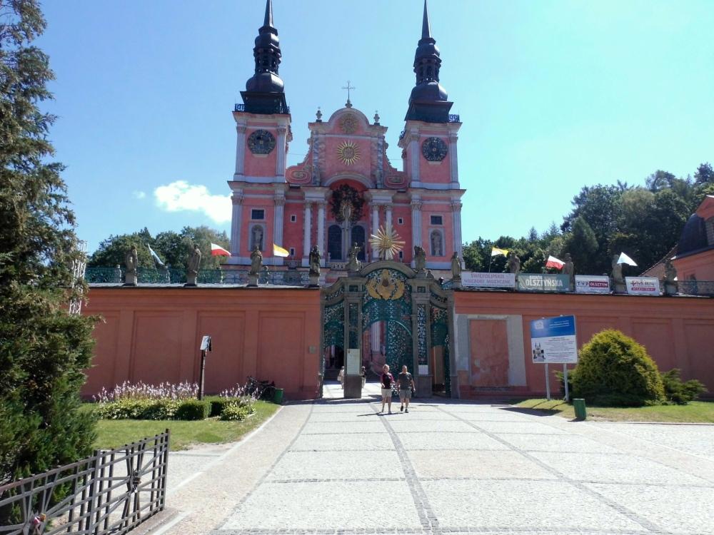 Swieta Lipka Heilige Linde Kathedrale Kirche Wallfahrt aussen rosa