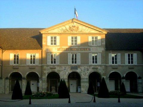 Hotel de Ville Rathaus Beaune Burgund Bourgogne France Frankreich Reise exploreglobal