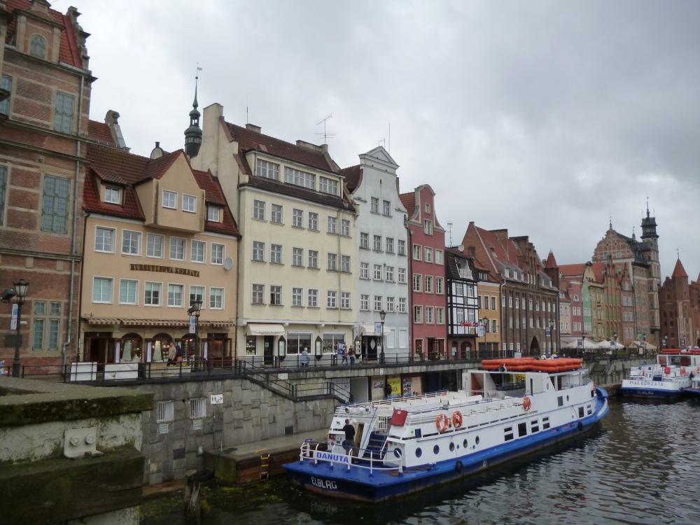 Danzig (Gdansk ) Hafen und Altstadt beim alten Kranentor