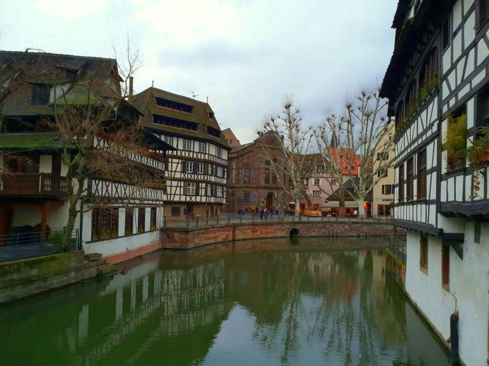 Strasbourg Strassburg Elsass Alsace Altstadt vieille ville canal Kanal Wasser Fachwerk eau exploreglobal