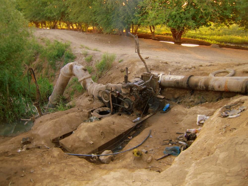 Wasser Water machine Maschine Bewässerung Desert Wüste Karakum Turkmenistan Ashgabat Merw Mary Turkmenabat