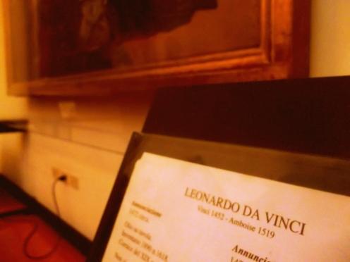 Gemälde und Kunstwerke von Leonardo da Vinci in den Gallerien der Uffizien in der Altstadt von FLorenz in der Toskana - exploreglobal