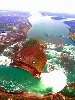 Blick vom Helikopter auf die Horseshoe und American Falls bei Niagara, Kanada Canada Ontario Reiseblog exploreglobal www.exploreglobal.wordpress.com