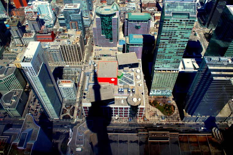 Toronto von oben Skyline skyscraper Wolkenkratzer Tour CN Tower Lake Ontario Inseln Ausblick Kanada Canada Reiseblog exploreglobal www.exploreglobal.wordpress.com