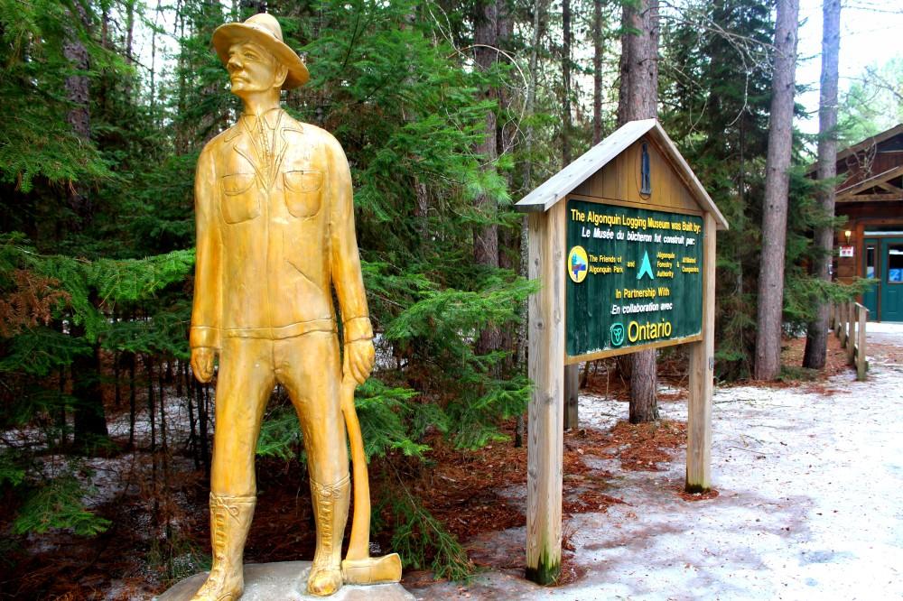 Logging Museum Ontario Canada Algonquin Nationalpark Wald Forets Entrance Eingang Reiseblog exploreglobal www.exploreglobal.wordpress.com