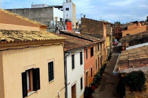 Alcudia Altstadt 2 Stadtmauer Blick Landschaft Mallorca Norden Reiseblog exploreglobal