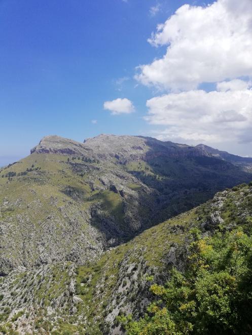 Tramuntana Gebirge Roadtrip - entlang der Serpentinen im Norden der Balearen Insel Mallorca, Sóller bis Pollenca Reiseblog exploreglobal