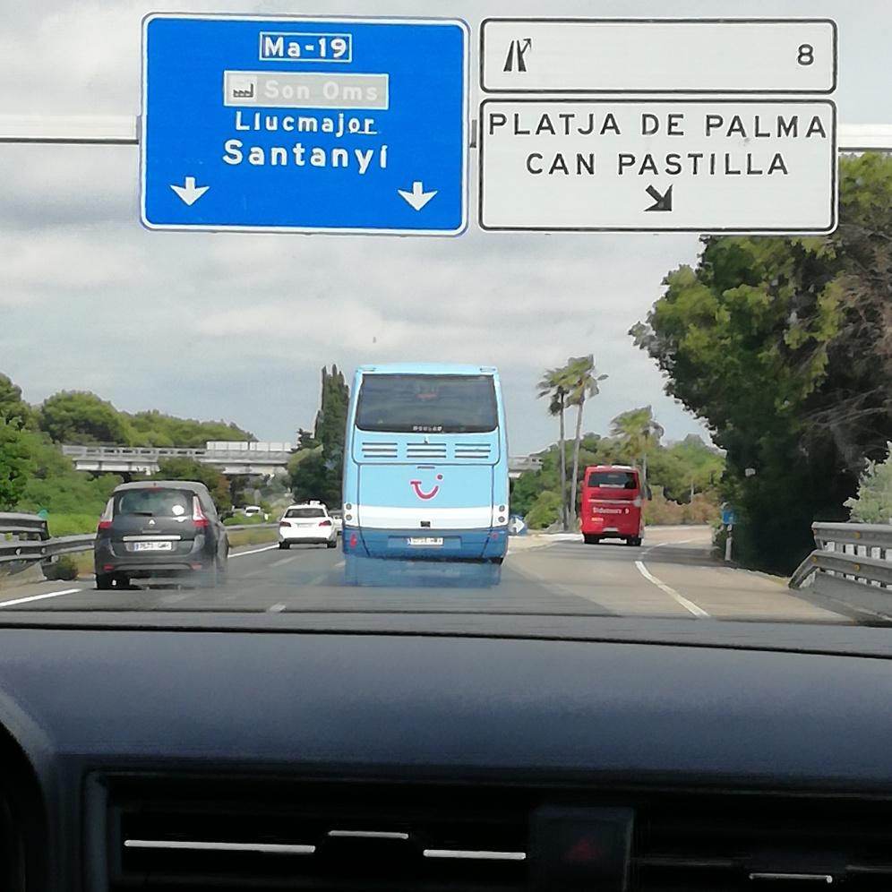 Autobahn Richtung Ballermann: von Palma de Mallorca geht es daran vorbei ins schönere Santanyi und zur Cala Figuera