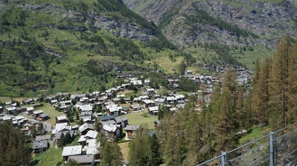 Haus_Dorf_Schweiz_Reiseblogger_Exploreglobal