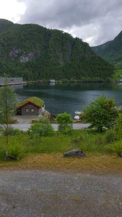 Haus am Fjord in Norwegen - Reiseblog exploreglobal