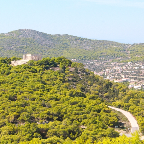 Aphaiatempel in den Bergen bei Agia Marina auf Ägina