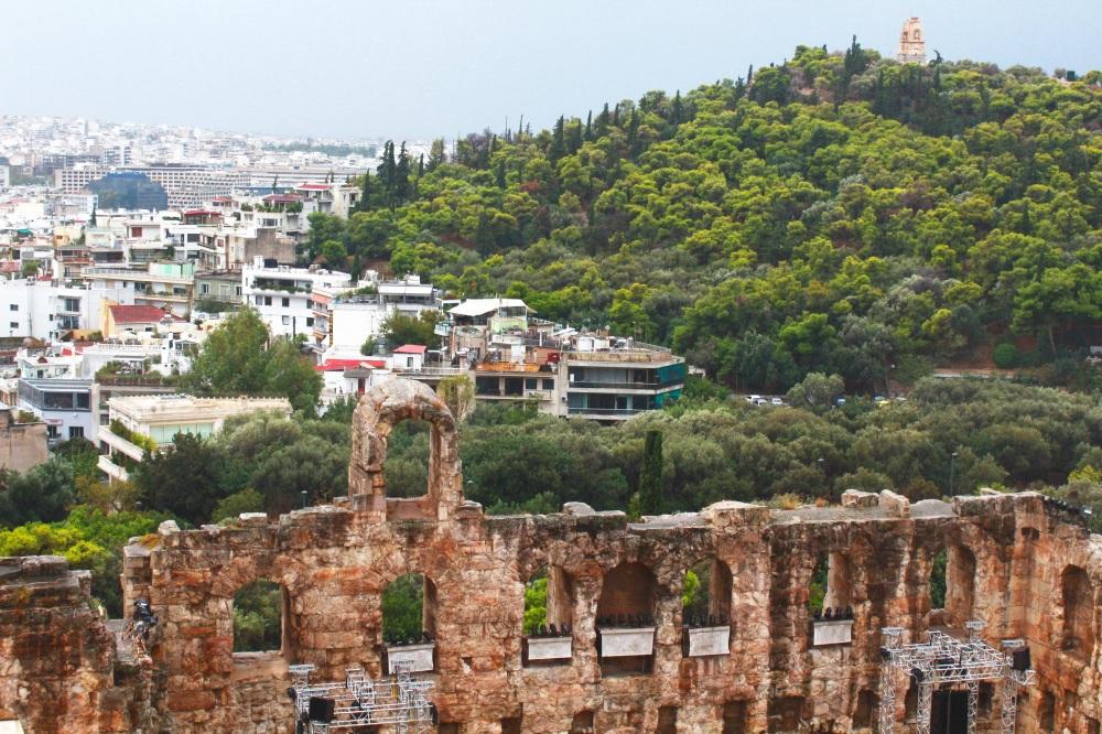 athen-dionysos-theater-an-der-akropolis-in-griechenland-reiseblog-exploreglobal