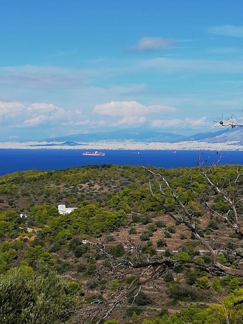 Blick auf Athen im Hintergrund des saronischen Golfs vom Aphaiatempel aus
