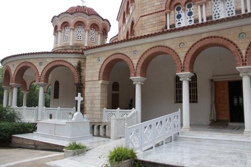 Der Eingangsbereich des Klosters Agios Nektarios auf der Insel Ägina
