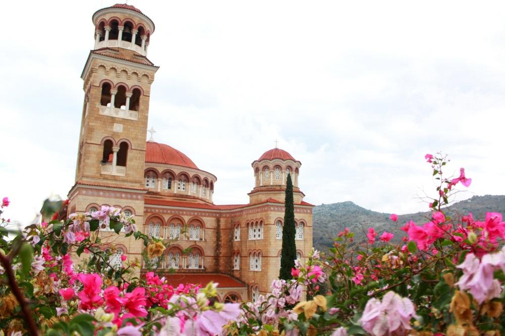 kloster-nektarios-auf-der-insel-c3a4gina-im-saronischen-golf-griechenland-reiseblog-exploreglobal