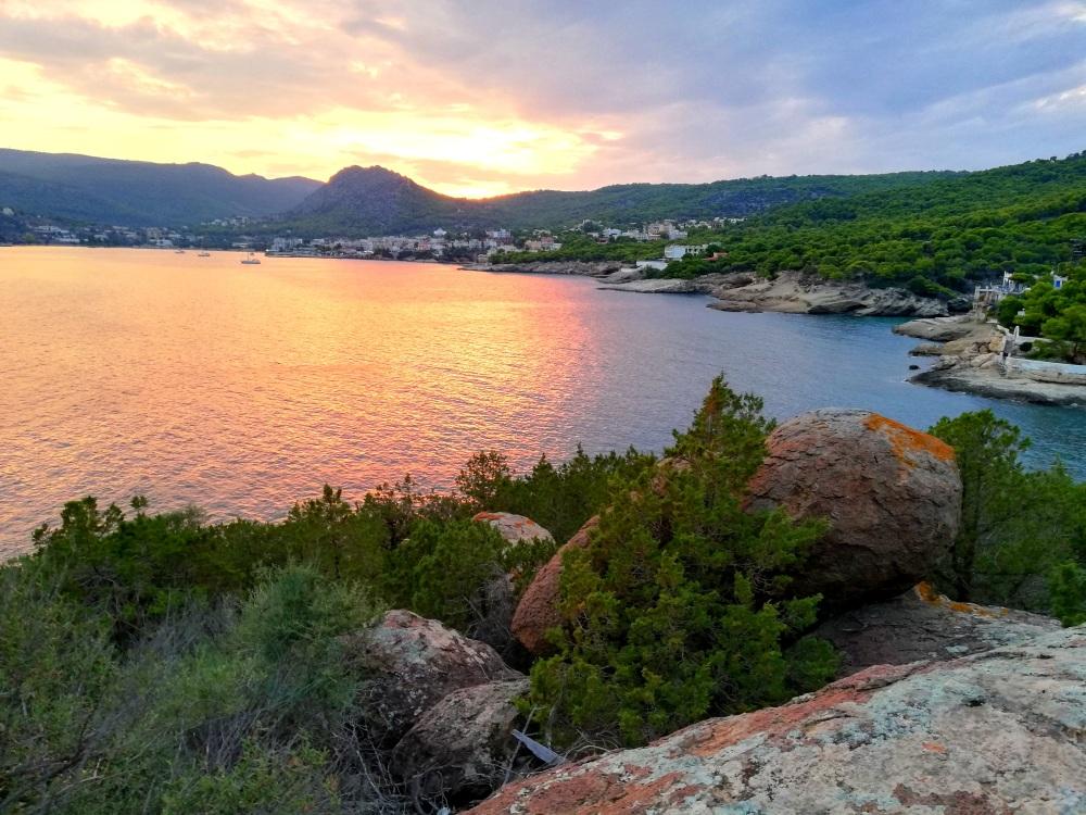 Sonnenuntergang bei Agia Marina auf der Insel Ägina - Reiseblog Exploreglobal