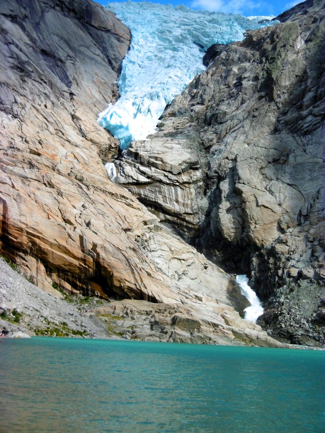 Norwegen Gletschereis Wasser Berge Briksdalsbreen